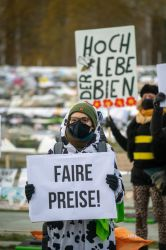 WHES21_Protest__5_web